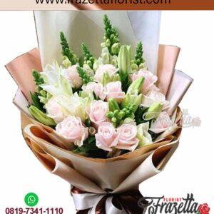 Hand Bouquet Tangan Yang Cantik Untuk Wanita